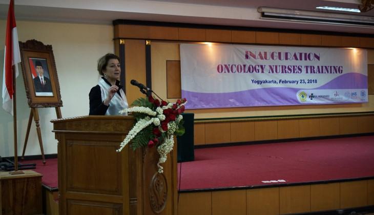 Puluhan Perawat Mengikuti Wisuda Pelatihan Perawat Onkologi