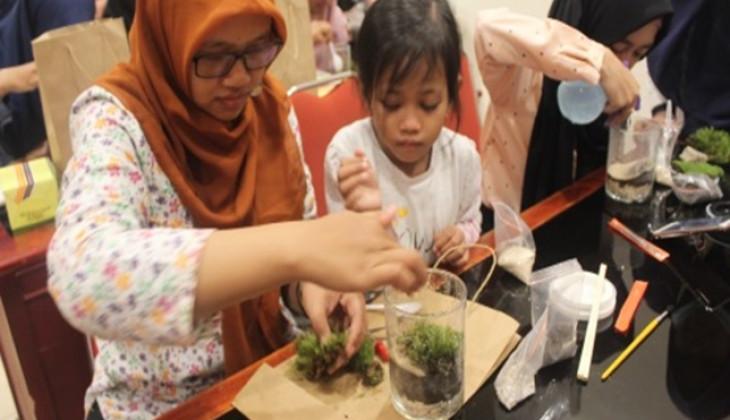 KSAT UGM Perkenalkan Seni Terrarium pada Masyarakat Yogyakarta