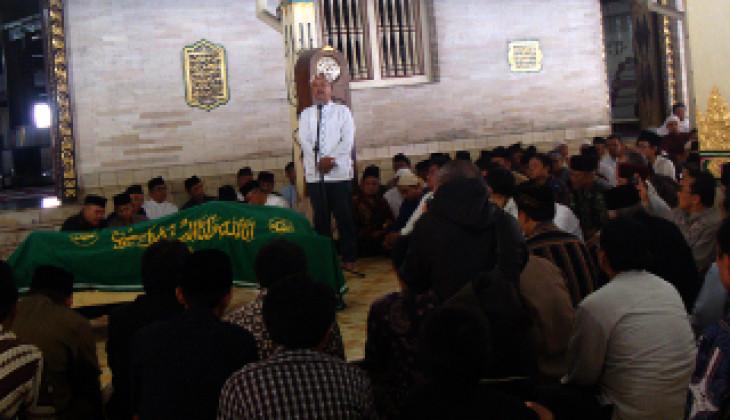 Sejarawan Ahmad Adaby Darban Berpulang