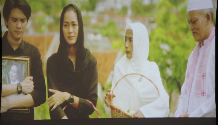 Rektor dan Mahasiswa UGM Nonton Bareng Film Lima