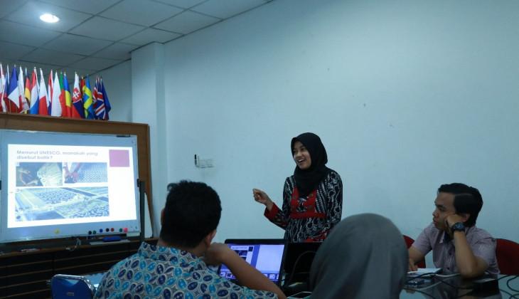 Membedah Kebijakan Impor Produk Batik