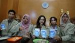 Mahasiswa UGM Olah Limbah Cangkang Udang Menjadi Closet Sanitizer