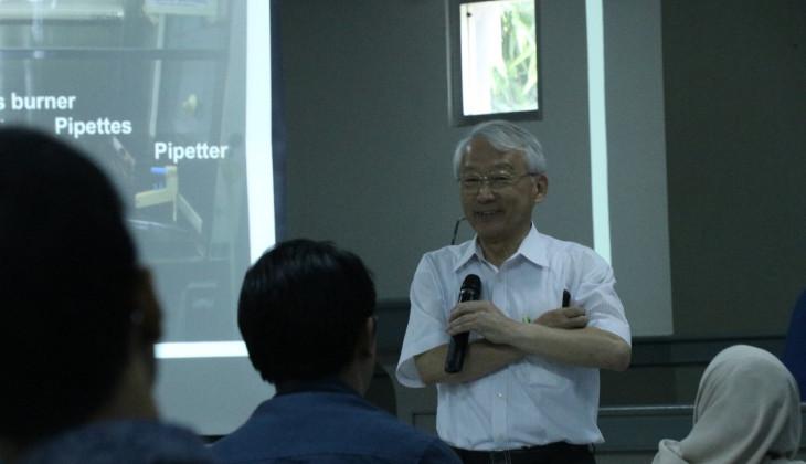 Workshop Fakultas Farmasi UGM Hadirkan Pakar Biologi Molekuler asal Jepang