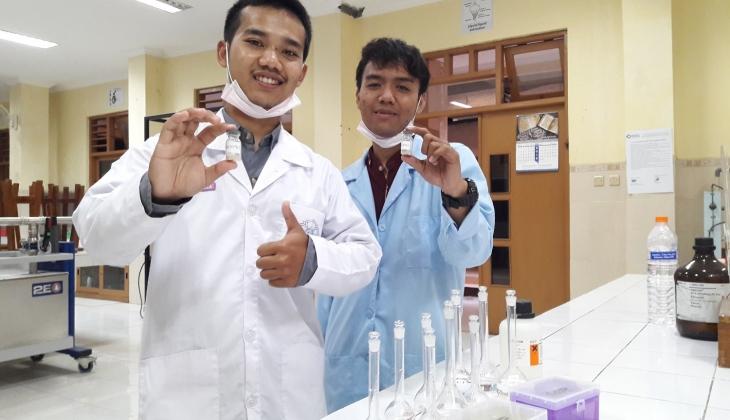 Tiga Mahasiswa MIPA Kembangkan Bahan Pemercepat Produksi Biodiesel