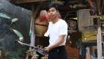 Kisah Anak Janda Penjual Sandal dari Bali Diterima Kuliah di UGM