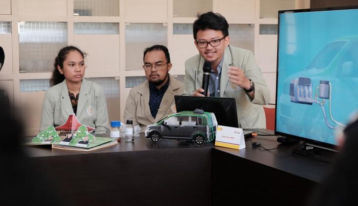 Mahasiswa UGM Rancang Mobil Penghasil Bakar dari Sampah Plastik
