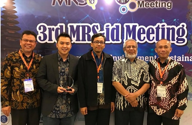 Tiga Ilmuwan Material Indonesia Terima Penghargaan dari MRS-id