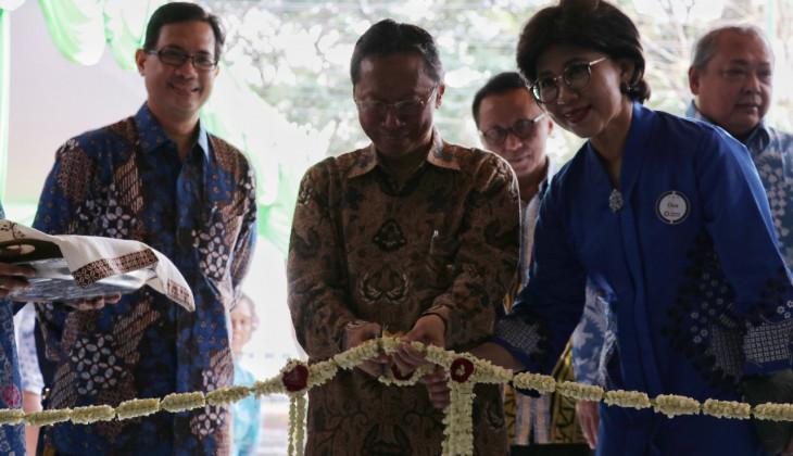Wakil Rektor Resmikan Gedung Penelitian dan Pengembangan FKKMK