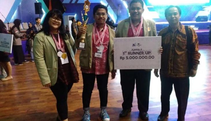 UGM Juara Dua di Kompetisi Debat Mahasiswa Indonesia