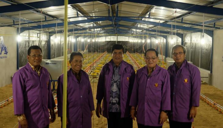 Rektor UGM Resmikan Kandang Closed House Fakultas Peternakan