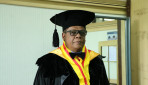 Bupati Fakfak Raih Gelar Doktor di Sekolah Pascasarjana UGM
