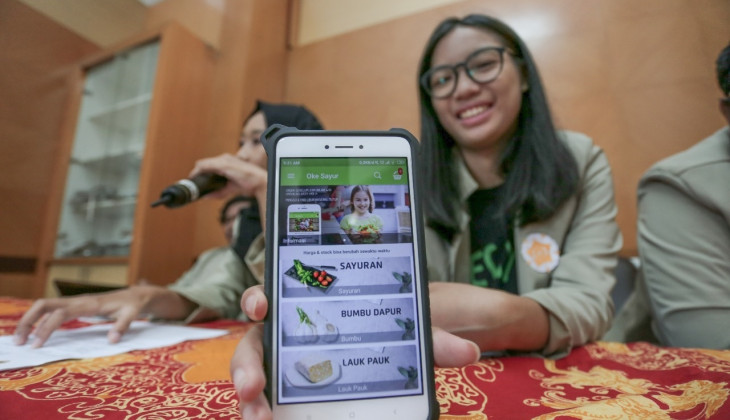 OkeSayur, Groceries Shopping Apps by UGM Students to Empower Sellers from Traditional Market