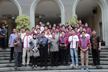 Semar and Chem-E-Car UGM Ready for International Competitions