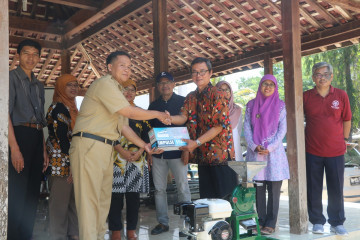 Agricultural Engineering and Biosystem Department UGM Transfers Aid Programme to Villages