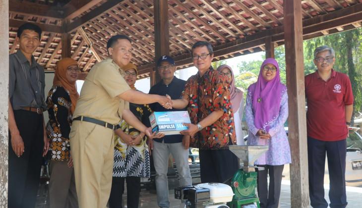 Serah Kelola Program Bantuan DTPB UGM di Selopamioro dan Sriharjo