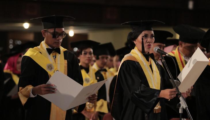 UGM Mewisuda 1.262 Lulusan Program Pascasarjana