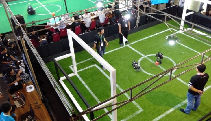Empat Robot UGM Lolos ke Kontes Robot Indonesia Tingkat Nasional