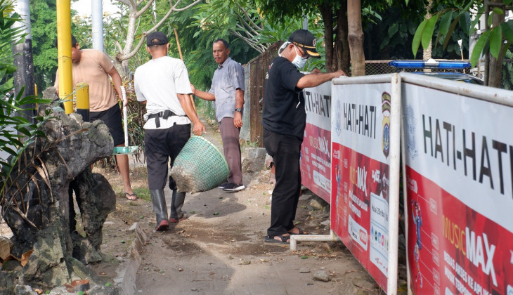 P4KL UGM-Polsek Bulaksumur Gelar Bersih Lingkungan