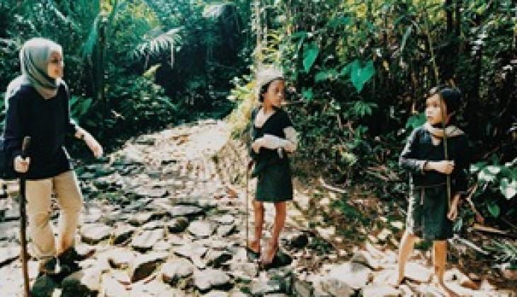 Mahasiswa UGM Menelisik Tradisi Kawalu di Suku Baduy Dalam