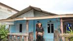 Kisah Buruh Bangunan Berhasil Kuliahkan Anak di UGM