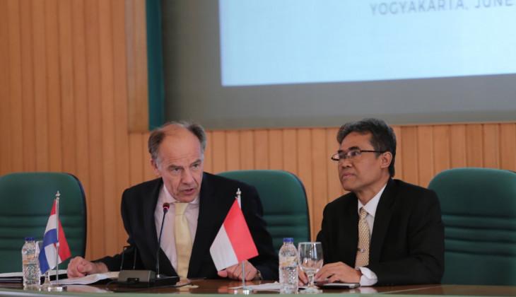 Rektor UGM Tandatangani Nota Kesepahaman dengan Universitas Leiden