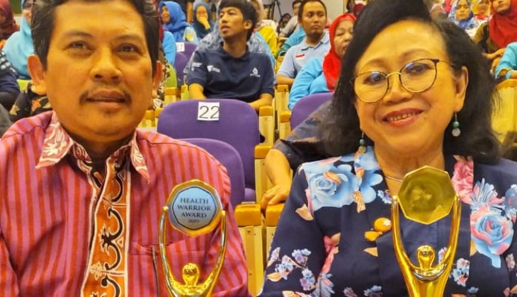 2 Guru Besar UGM Terima Health Warrior Award 2019