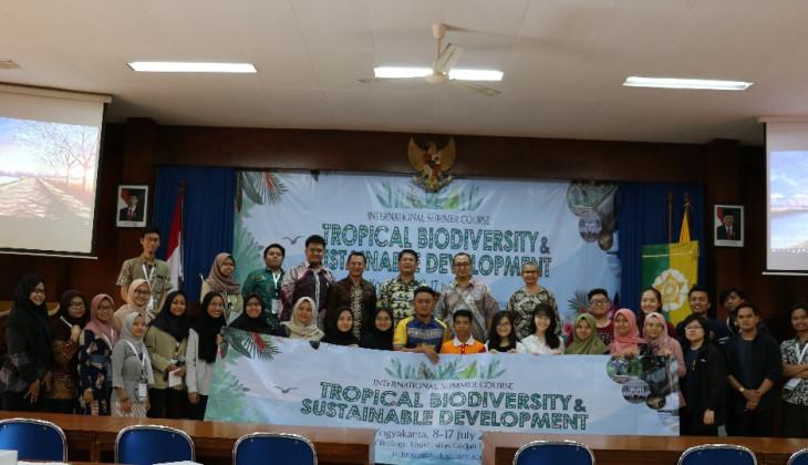 Puluhan Mahasiswa Asia Tenggara Pelajari Keanekaragaman Hayati Tropis di UGM