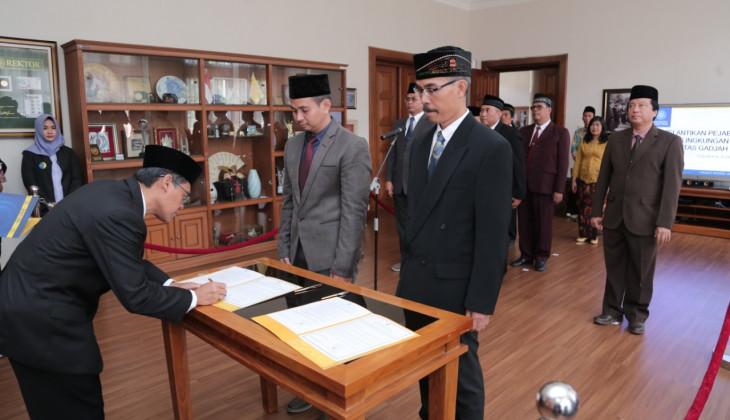 Rektor UGM Lantik 10 Pejabat Struktural