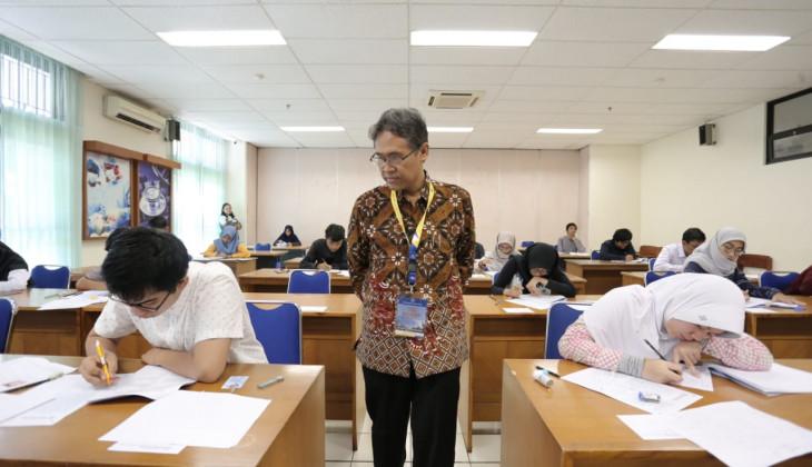Serentak di Lima Kota, Ujian Tulis UGM Diikuti 45.356 Peserta