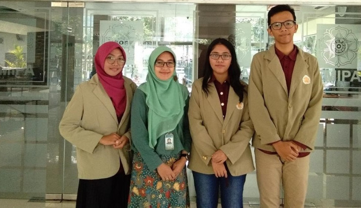 UGM Students Research Coffee Grounds as Osteoporosis Inhibitor