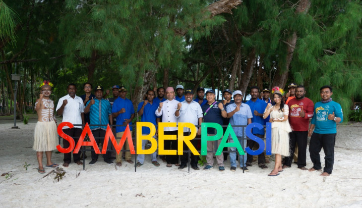 UGM Students Develop Island Hopping Tourism in Biak Papua