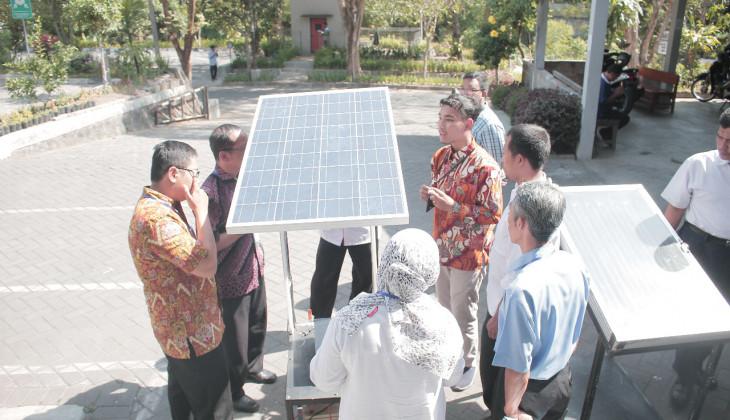 UGM Kenalkan Teknologi Energi Terbarukan ke Guru SMK