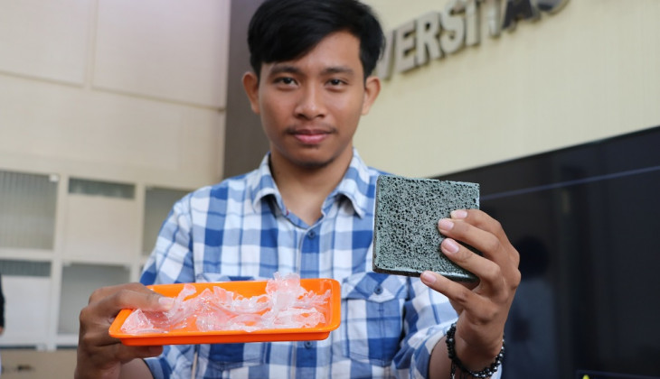 UGM Students Turn Plastic Waste into Concrete Composite