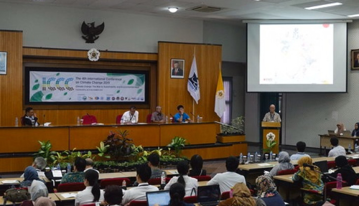 Hundreds of Environment Experts Attend Climate Change Conference at UGM
