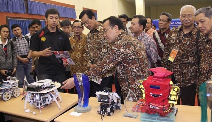 Sultan Dorong UGM Tetap Jadi Kampus Unggul