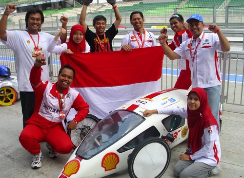 Mobil Semar UGM Raih The Best Technical Innovation Award SEM 2011