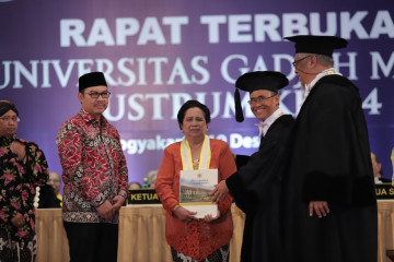 Murdijati Gardjito Earns UGM Award