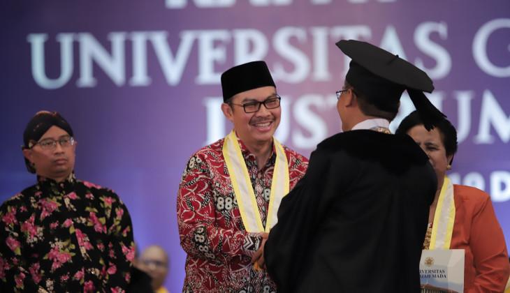 Hasto Wardoyo Raih Anugerah Universitas Gadjah Mada