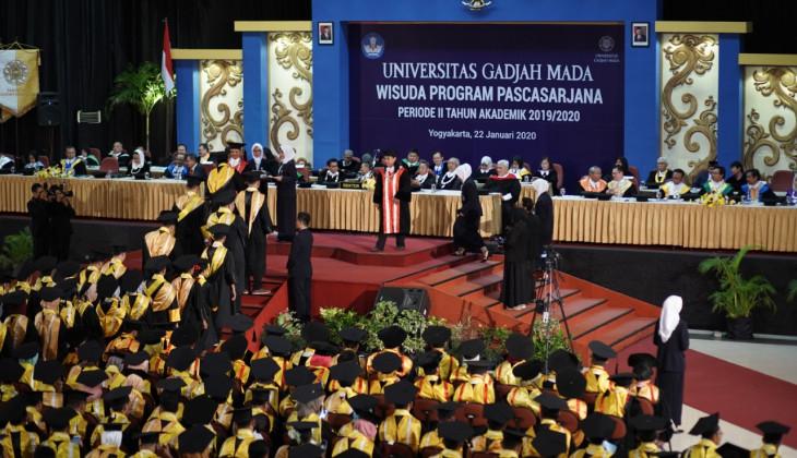 UGM Mewisuda 954 Lulusan Program Pascasarjana