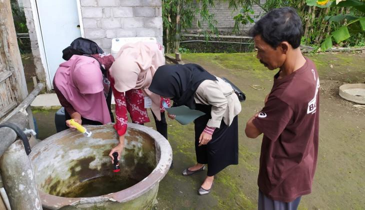Mahasiswa KKN-PPM UGM Berikan Penyuluhan Pemberantasan Sarang Nyamuk