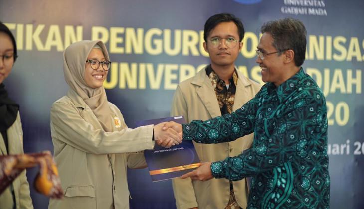 Rektor Melantik 67 Pengurus Organisasi Mahasiswa