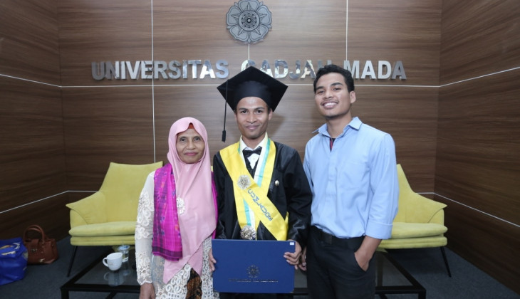 Stories from Inspirative Students with Different Abilities Successfully Graduated Cum Laude at UGM