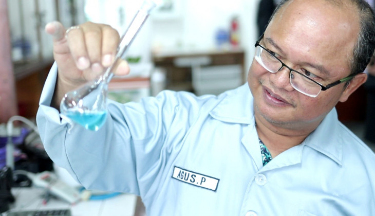 UGM Lecturer Discovers the Method of Removing Mercury with Local Materials