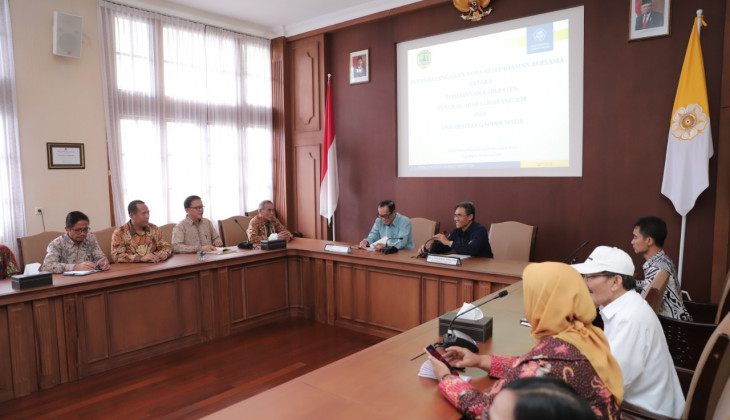 Collaboration Between UGM and PALI Regency At Improving Rubber Farmers' Income