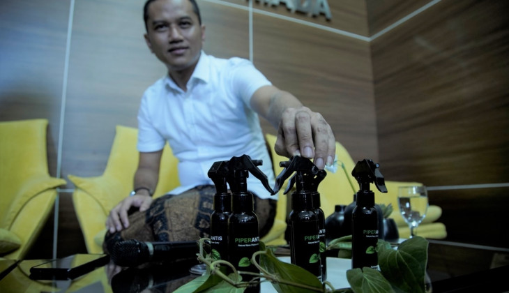UGM Lecturer Produces Bio Hand Sanitizer Innovation with Nanotechnology