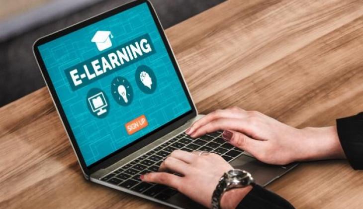 Mahasiswa Apresiasi Kuliah Online