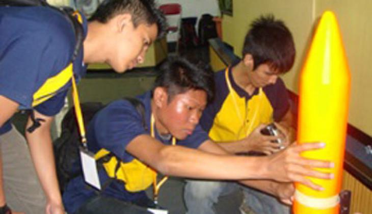 40 Tim Ikuti Kompetisi Muatan Roket Indonesia 2011
