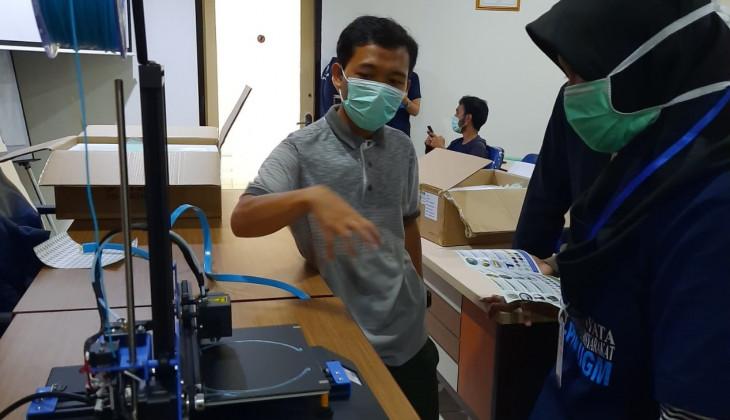 DERU UGM Mulai Produksi Mandiri Face Shield untuk Bantu Lawan Covid-19