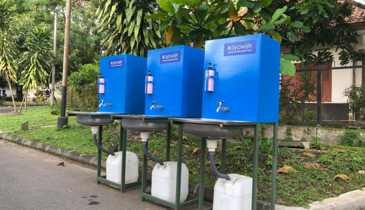 UGM Lecturer Creates Portable Sinks to Prevent Covid-19 Outbreak
