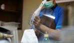 RS UGM Produksi APD Pelindung Wajah